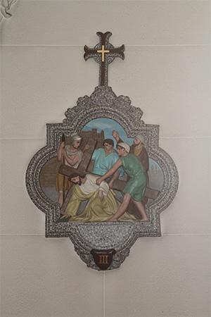 第3留-イエス、十字架の下に初めて倒れる
